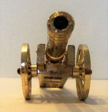 Canon miniature décoratif en métal doré made in Italie