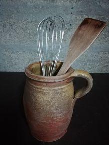 "Ancien pot ""cruche "" en terre cuite"