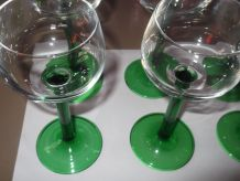Verre à vin, verre à pied verts 1960
