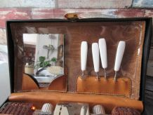 Trousse de toilette ancienne complete avec les accessoires