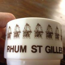 4 tasses café Arcopal Publicité Rhum St Gilles avec sous-tas