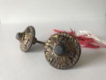 Paire de boutons de porte anciens en laiton doré