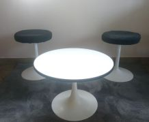 Table d'appoint vintage  Pied Tulipe
