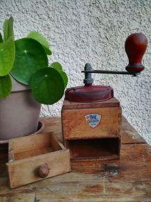 Moulin à café ancien Peugeot