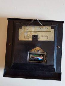 pendule Jaz vintage skai noir avec affichage date