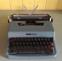 Machine Olivetti Lettera 32