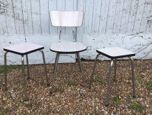 Chaise et tabourets Formica gris