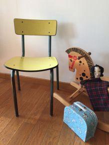 Chaise d'enfant vintage en formica