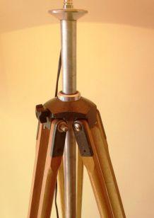 très grand lampadaire s/ancien trépied photo bois