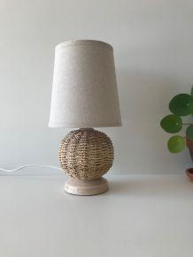 Lampe vintage en céramique et osier, abat jour en lin
