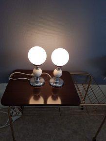 paire de lampes boule opaline blanche mate et bois peint