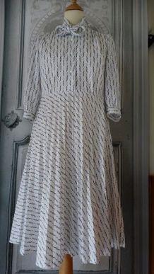 Vintage  1970 robe longue été  col lavaliere