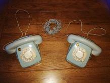 Téléphones gris