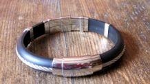 Joli bracelet mixte  matière acier, métal & caoutchouc