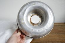 moule en métal vintage pour pâtisserie