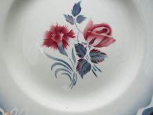 plat Digoin Sarreguemines Marinette décor rose et d'oeillet