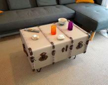 malle cintrée : relookée table basse ou pied de lit