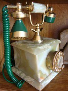 ANCIEN TELEPHONE EN ONYX VERT