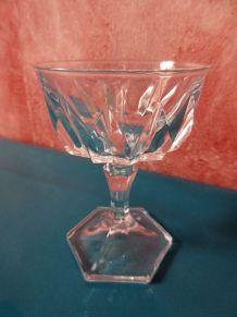 6 petits verres à porto en cristal taillé années 80