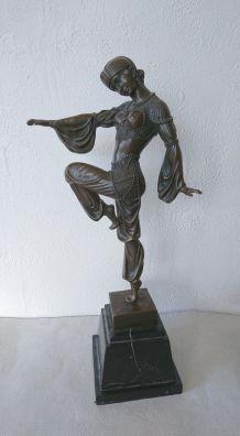 D'après Chiparus - Sculpture de danseuse exotique en bronze