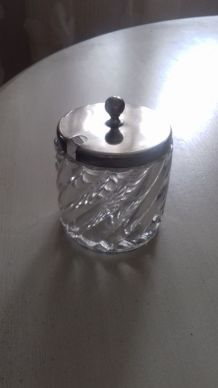 2 moutardiers (ou confituriers) en cristal de baccarat