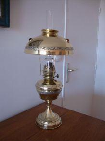 """BELLE LAMPE A PETROLE """" LA PARISIENNE"""""""