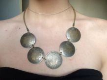 collier ethnique métal couleur bronze