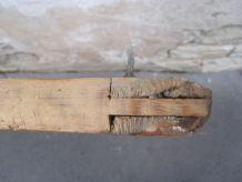 Ancienne porte de ferme en pin