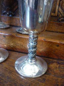 4 coupes à vin en métal argenté