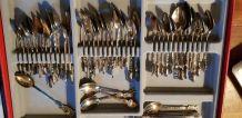petites cuillères de collection 270 dont 42 en metal argenté