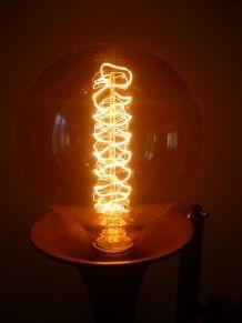LAMPE ARTISANALE - TROMPETTE - VINTAGE