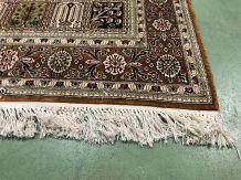 Tapis fait main en laine et soie - 1m55 x90cm