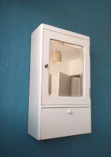 Armoire de toilette vintage années 50