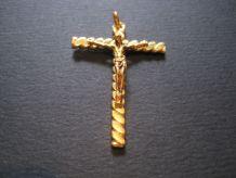 TRÈS belle Croix cross religious en plaqué or TORSADE