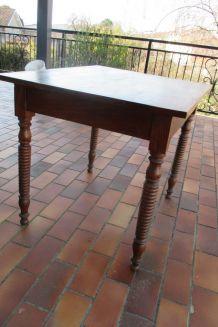 petit bureau ancien table  de travail pièds tournés