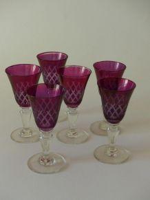 6 verres à liqueur roses vintage