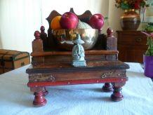 Autel temple bouddhiste domestique vintage