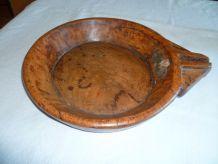 Ancien grand plat traditionnel bec verseur Inde