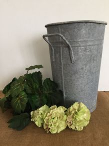 Pot de fleuriste en zinc