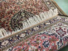 Tapis en laine et soie fait main - 1m57x1m