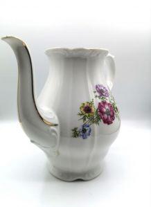 Carafe en porcelaine fine de Bohème