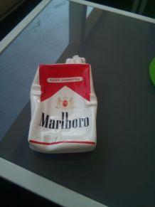 Cendrier publicitaire Marlboro