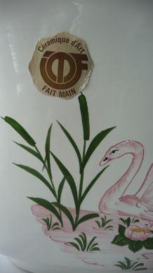 Cache pot signé et fait main en céramique
