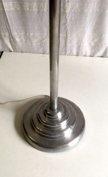 Lampadaire abat-jour opaline style industriel années 50