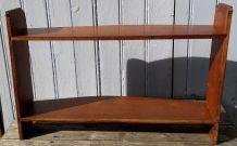 Étagère en bois arrondie
