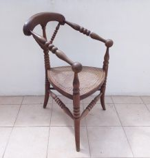 Ancien fauteuil tripode