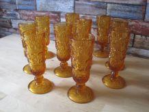 10 flûtes à champagne  belle couleur ambre 1970/1980