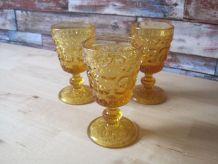3 verres aperitifs   belle couleur ambre 1970/1980