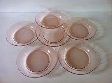 6 assiettes plates vintage Arcoroc en verre rose