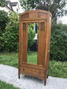 Armoire bonnetière Art-Déco à miroir biseauté 1930-1940